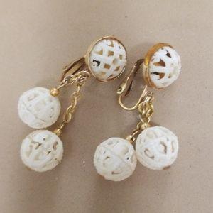 Classic CLIP ON Dangle earrings Vintage